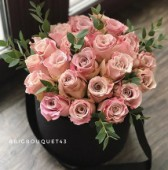 25 роз в замшевой коробке