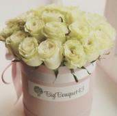 25 роз Мондиаль в розовой коробке