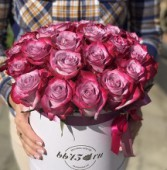 25 йогуртовых роз в коробке