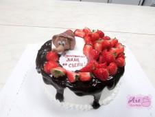 Торт с клубничкой